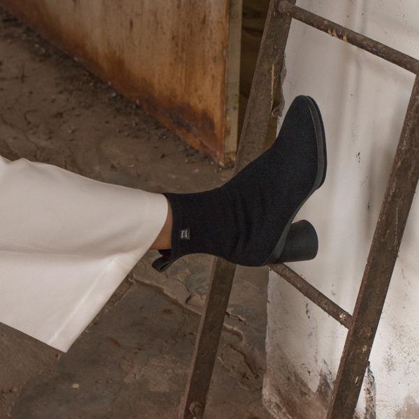 Camper Upright Black Boots Women K400370-003