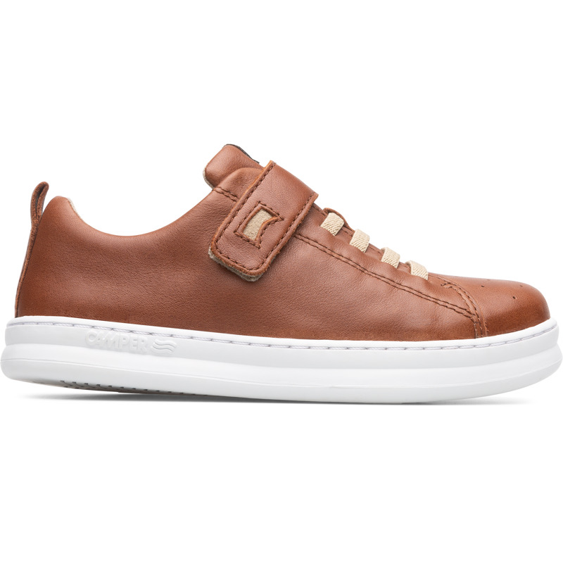 Camper Runner, Sneakers Kids, Brown , Size 25 (US), K800247-008 - Upper: Leather (Calfskin) Color: Brown Outsole/Features: Stitched rubber outsole for durability and good grip Velcro straps for easy fit Insole: OrthoLite for cushioning Lining: 67% Fabric (60% Nylon - 40% PU) 33% Fabric (100% Recycled PET) Leather Working Group Certified - Brown full-grain leather kids sneaker with stitched rubber outsole. Our Runner boys\\\' sneakers are a miniature version of our original sport style. A fun, laid-back look that\\\'s great for all-day play.