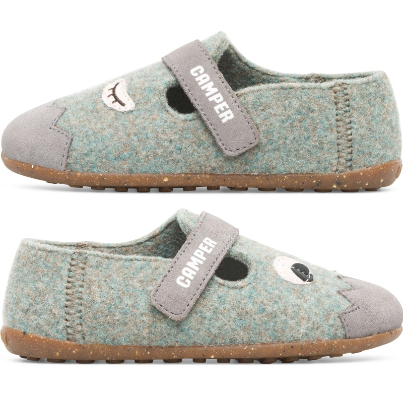 Camper Twins, Slippers Kids, Blue/Grey/Brown, Size 25 (US), K800331-001 - Nubuck / 90% Wool fabric Color: black / light gray / Grey / beige Rubber outsole: Extraordinary Grip Winter Lining: Climatic Comfort Leather Working Group Certified Lining: 80 % Fabric (90% Wool - 10% Polyester) 20 % Calfskin - Part of our TWINS collection, these kids slippers are asymmetrically designed to look a little different. These kids warm slippers are all about celebrating ergonomics and having fun. These have a playful style which is designed to maximize coziness. The effortless silhouette is fitted to your kids feet with additional warm linings while the rubber soles provide exceptional grip.